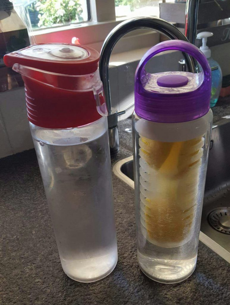 fruit infused water Lisette Schrijft