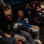 58 dingen die ik denk als ik met mijn kinderen in de bioscoop zit