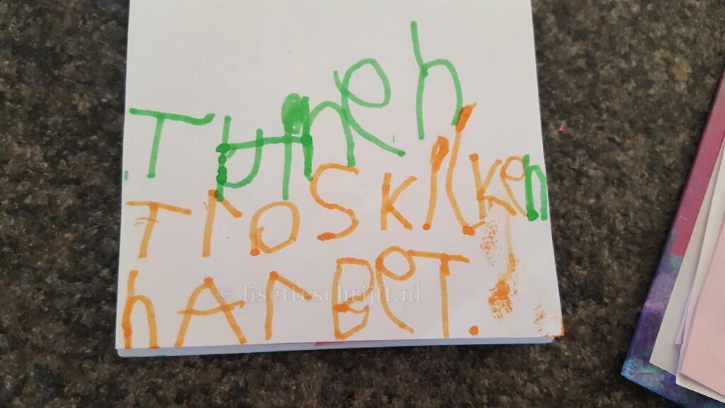 kind groep 2 kleuterschool kan al schrijven ontwikkelingsvoorsprong