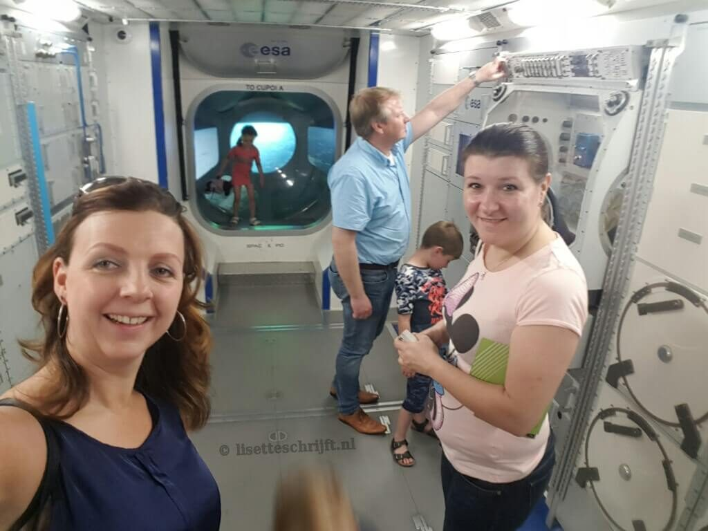 ruimtestation ISS nagebouwd in Space Expo