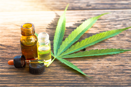 cannabisolie of CBD-olie van the CBD company Lisette Schrijft