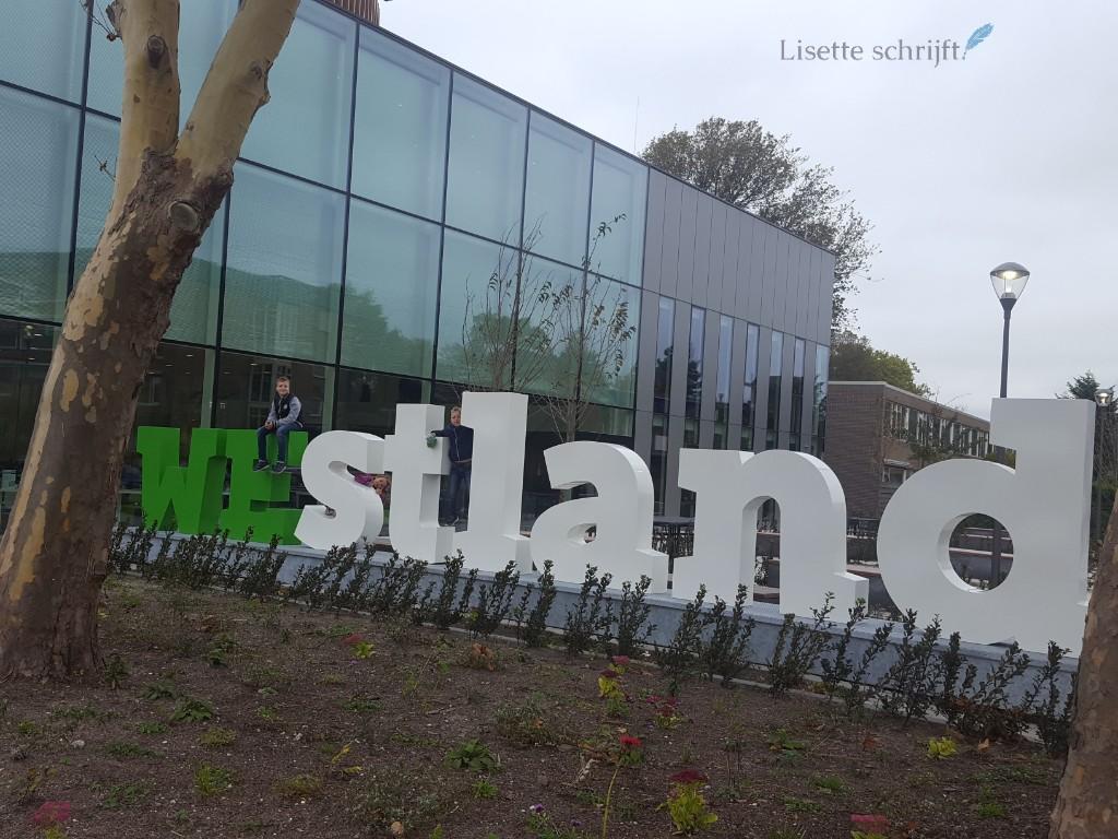 Letters Westland verdilaan Naaldwijk Gemeentehuis Lisette Schrijft
