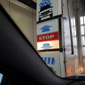 auto door wasstraat Lisette Schrijft