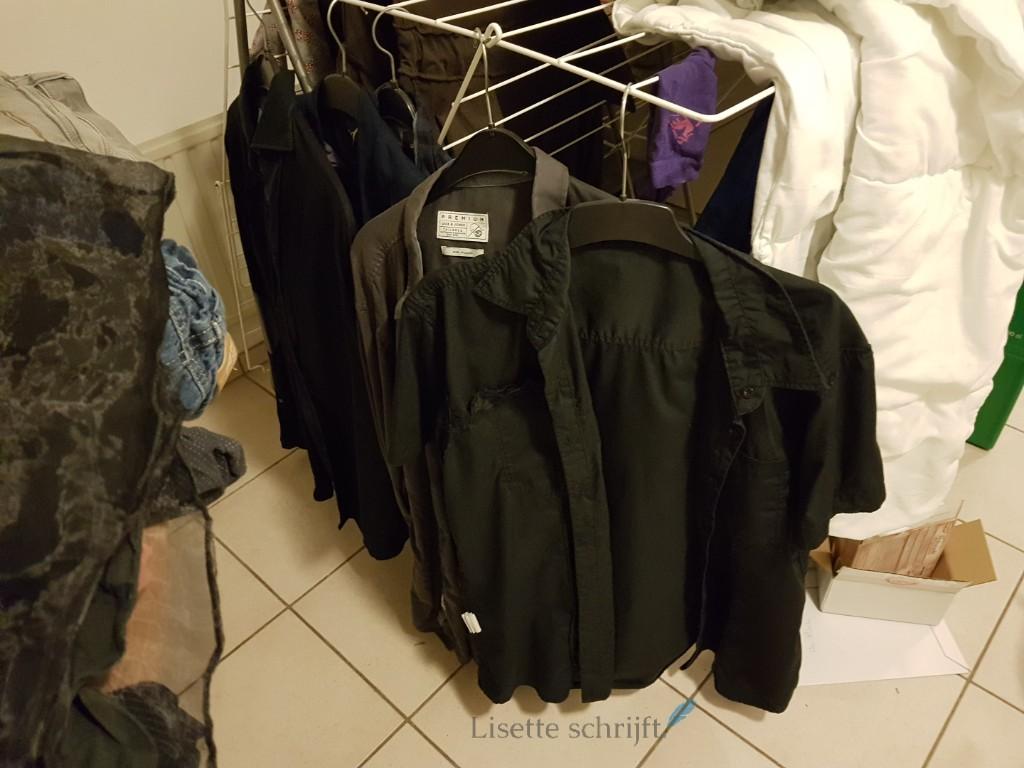overhemden ophangen en niet strijken Lisette Schrijft