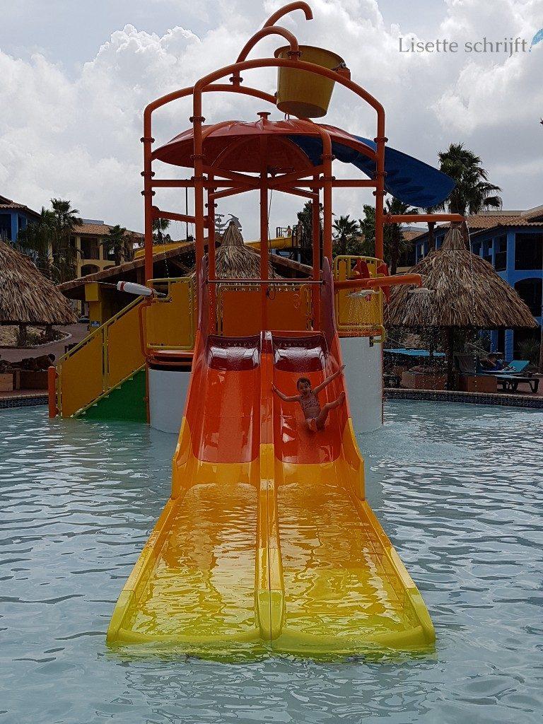 Kunuku Aqua Resort zwembad glijbaan Lisette Schrijft