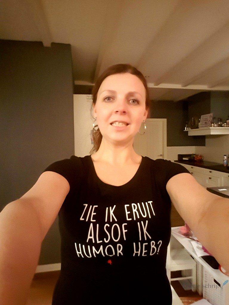 zie ik eruit alsof ik humor heb t-shirt juf ank Lisette Schrijft