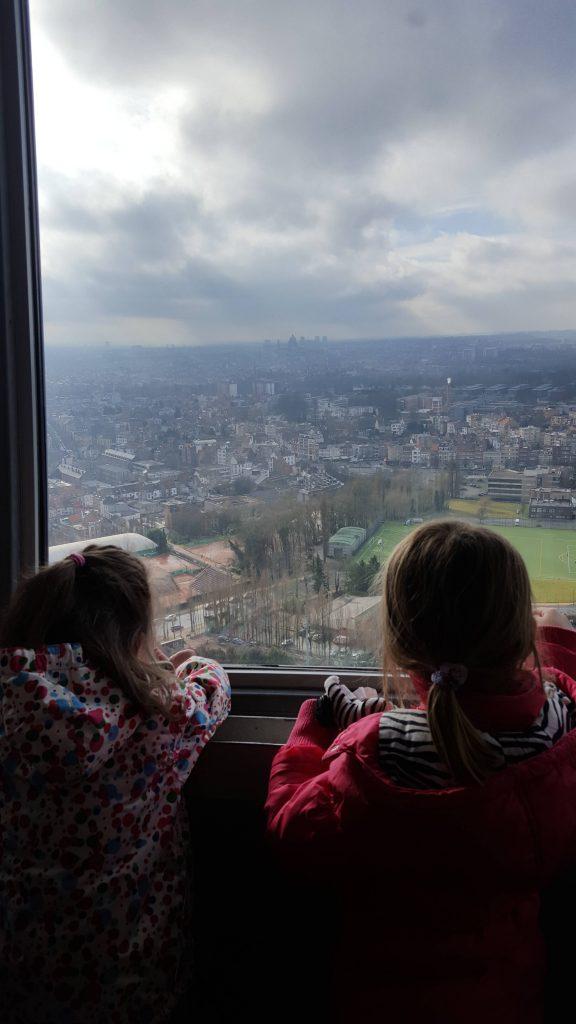 Uitzicht vanaf het atomium in Brussel Lisette Schrijft