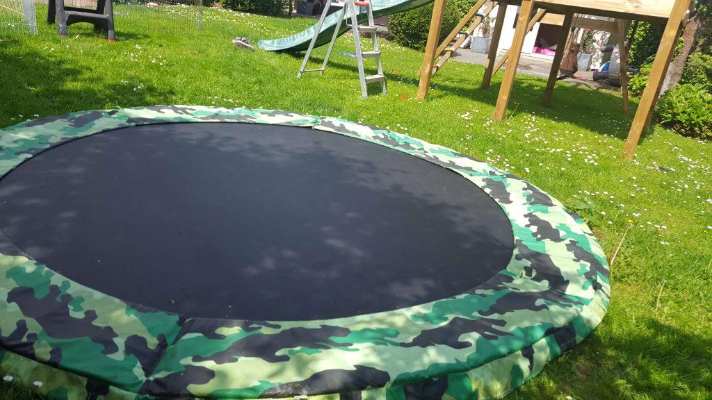 trampoline kopen staycation Lisette Schrijft