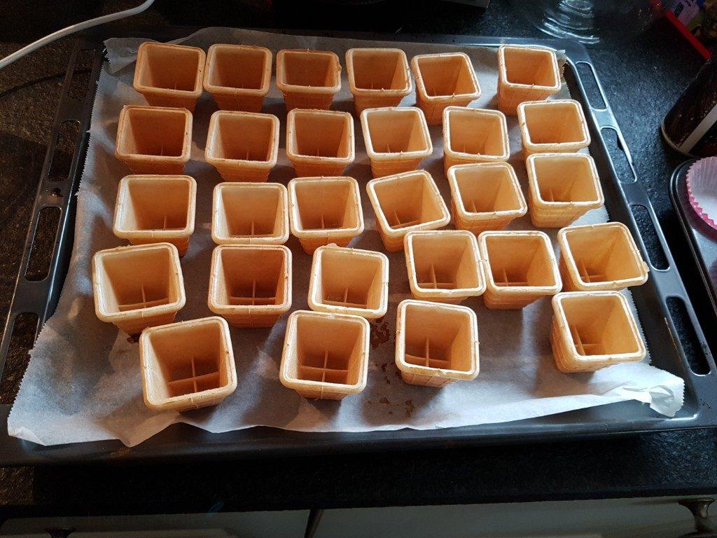 ijsbekertjes in de oven voor cakejes traktatie Lisette Schrijft