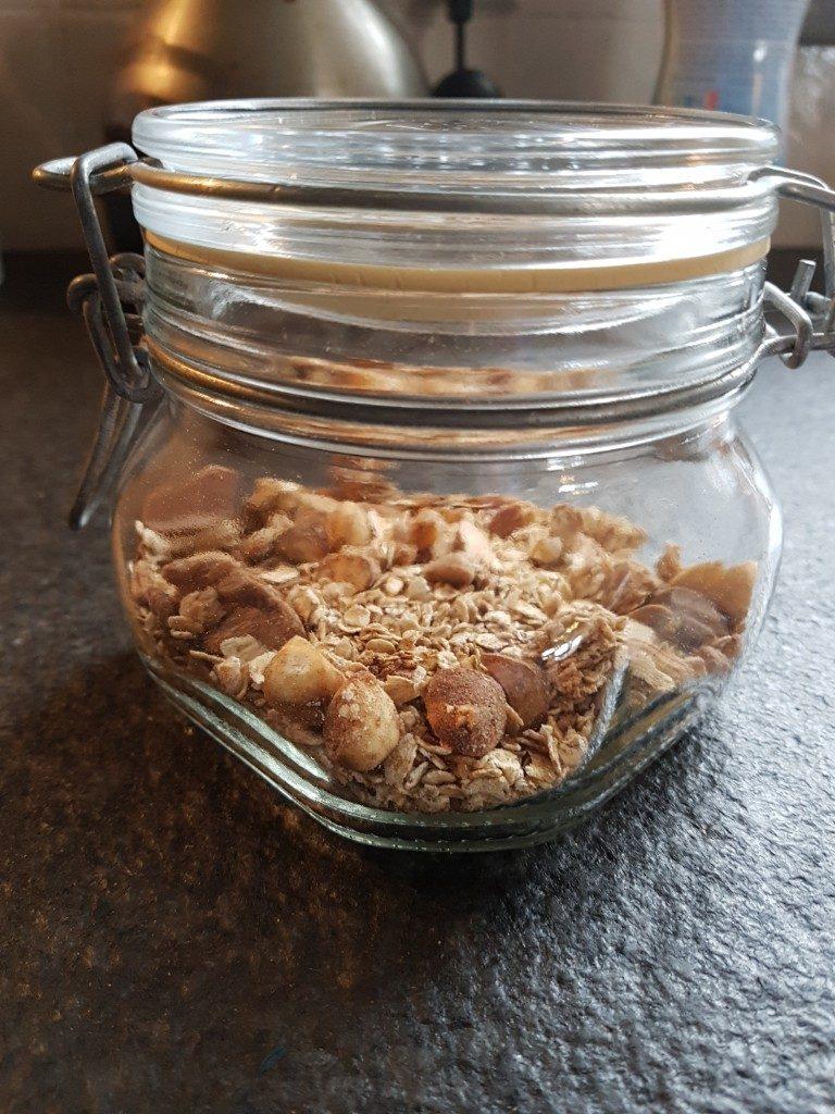 granola uit de airfryer kookboek airfryer Lisette Schrijft
