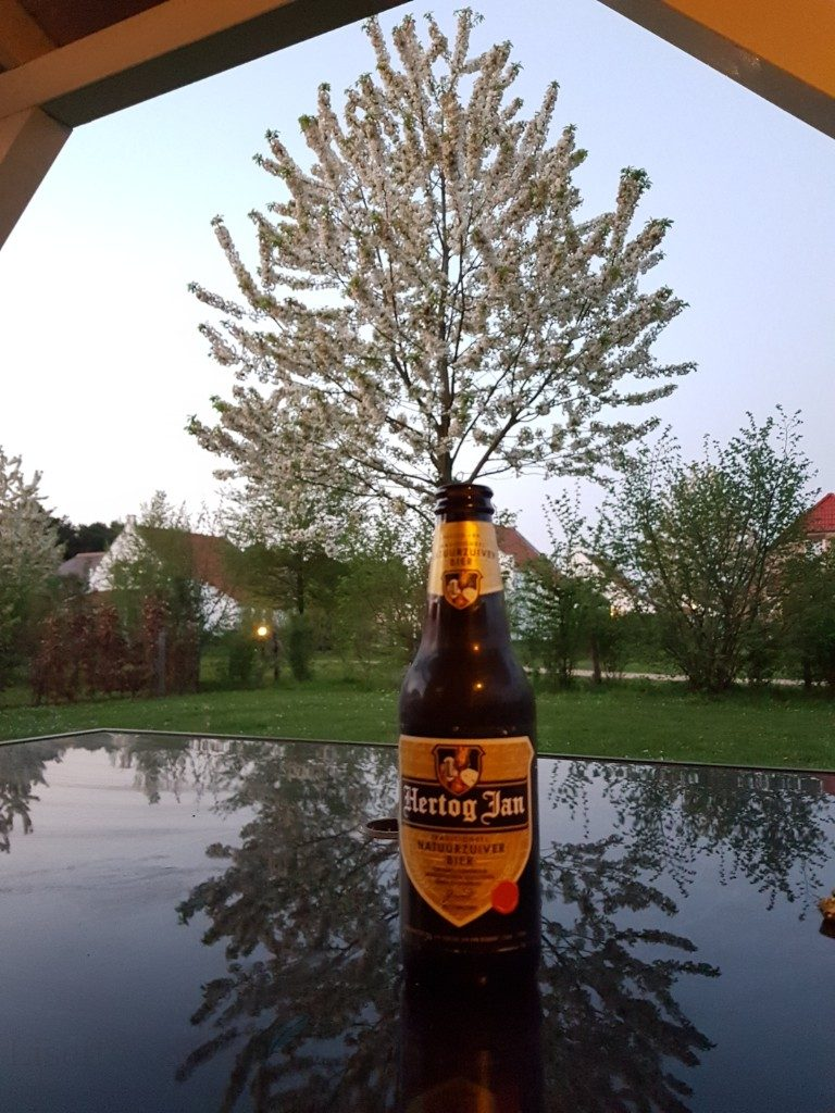 Hertog Jan drinken in Noord-Limburg Lisette Schrijft