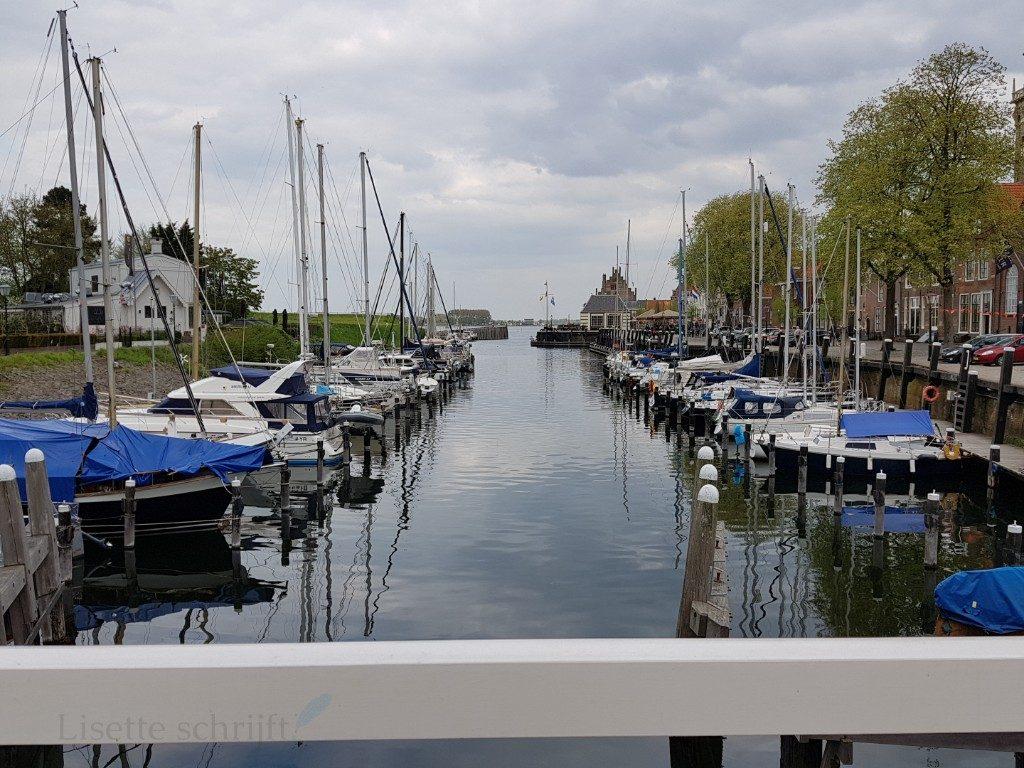 de jachthaven van Veere Lisette Schrijft