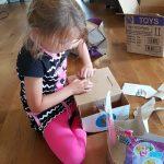 Hatchimals uitpakken (of: 'unboxen'): een hele bevalling