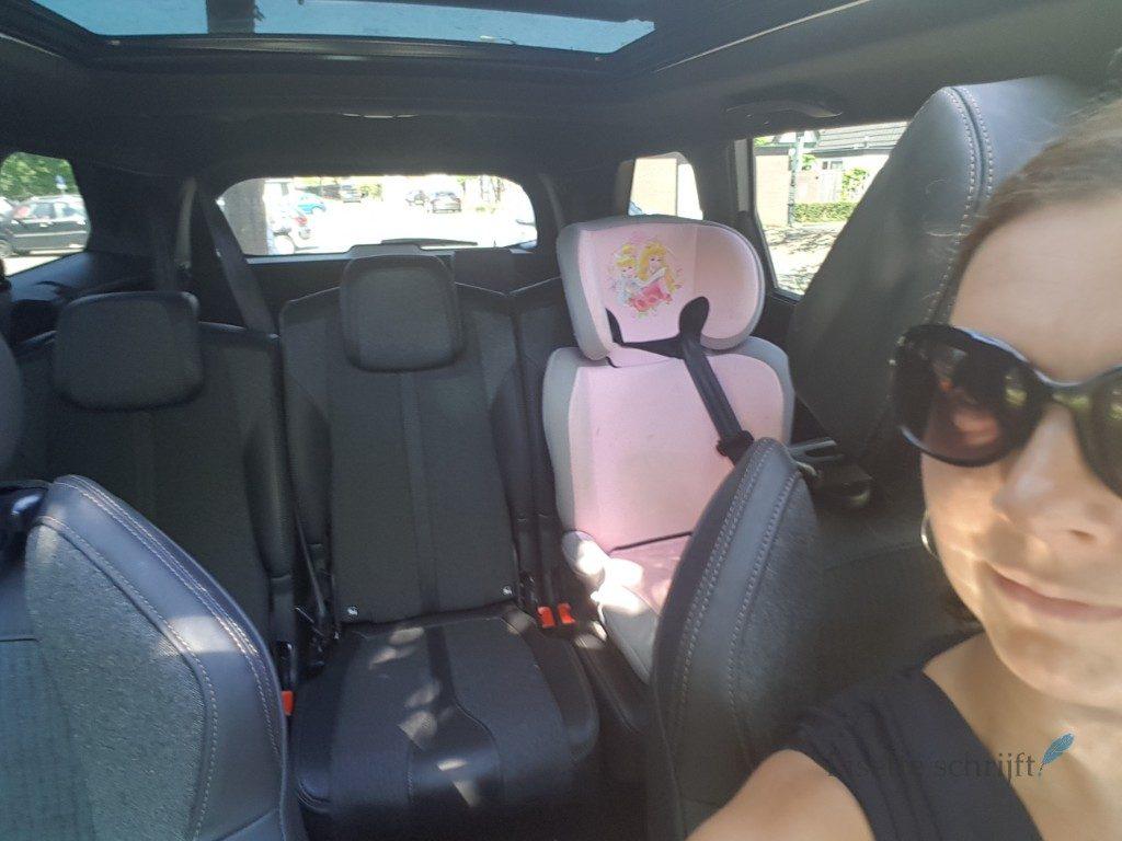 de ideale gezinsauto met drie volwaardige zitplaatsen achterin Lisette Schrijft