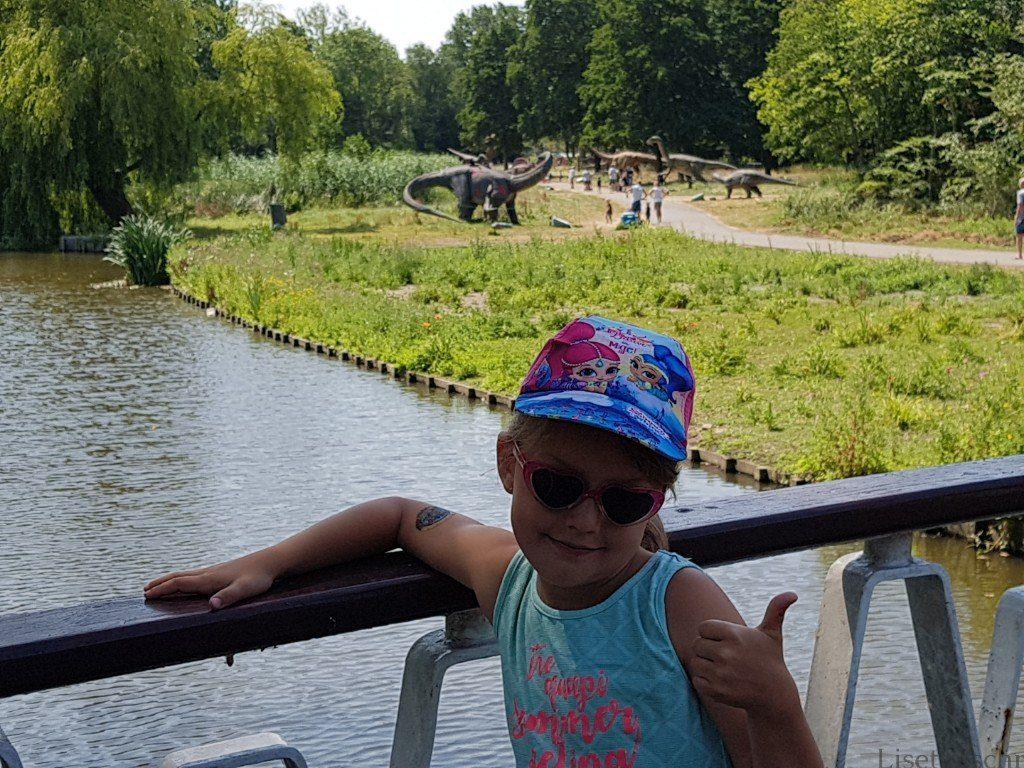 bezoek aan dino tentoonstelling met kinderen Lisette Schrijft