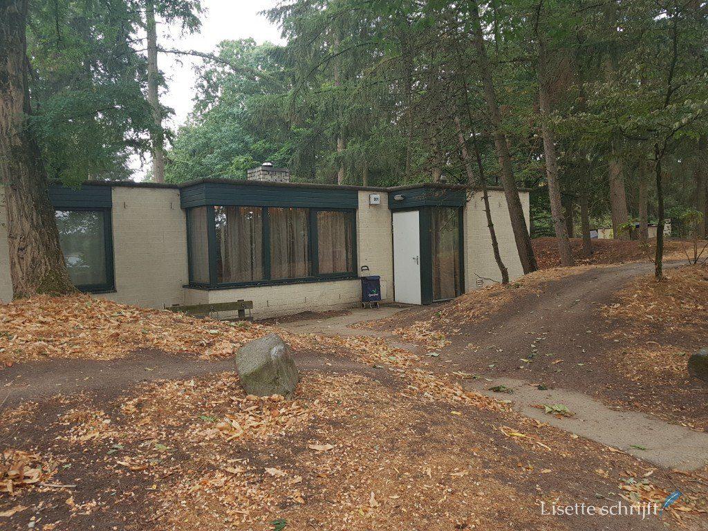 een oude bungalow bij Center parcs