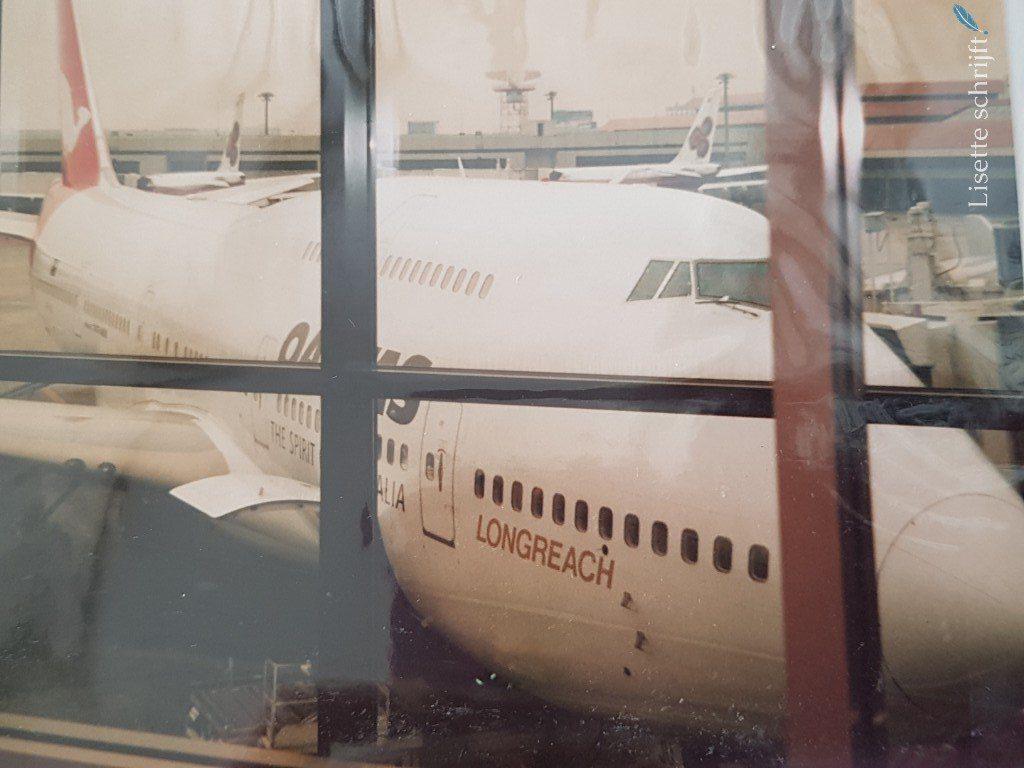 vliegtuig van Qantas Airlines naar Australie Lisette Schrijft