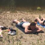 Boer Wim in zwembroek bij Boer zoekt vrouw Lisette Schrijft