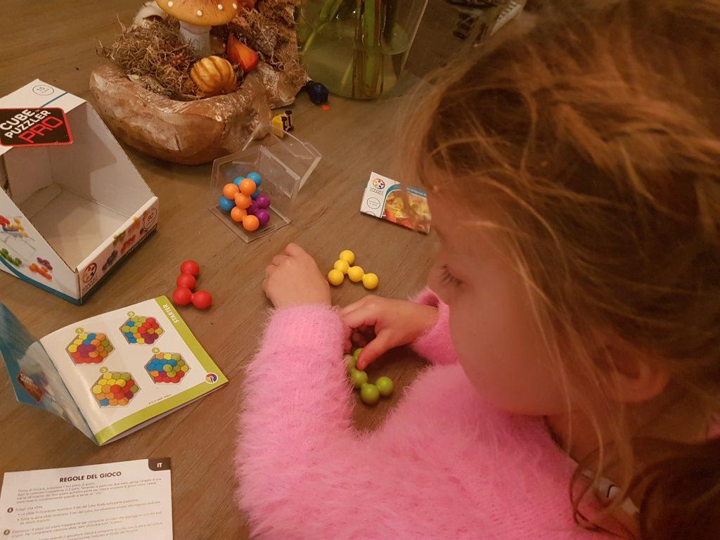 Cube Puzzler Pro van Smartgames voor hoogbegaafde kinderen Lisette Schrijft