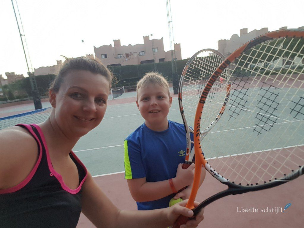 tennis op het resort in Egypte