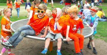 Kinderen tijdens de koningsspelen