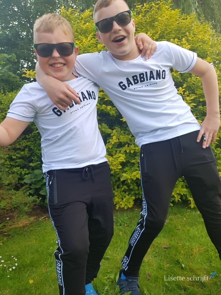 broers in kleding van gabbiano boys