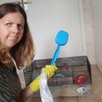 het muizenhok schoonmaken