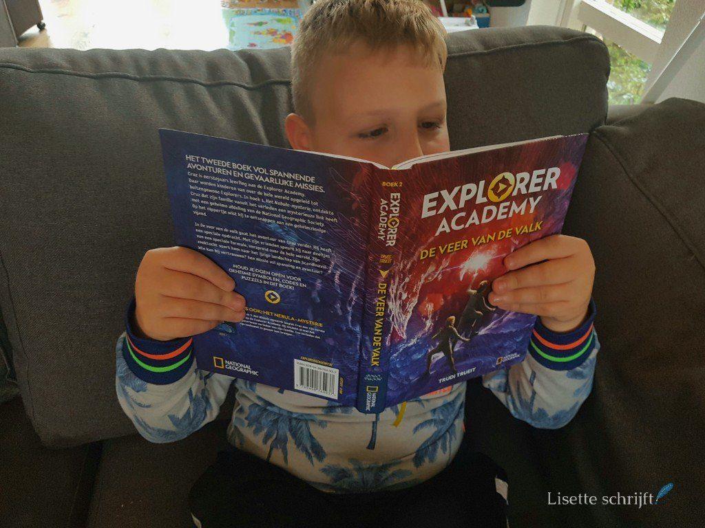 explorer academy boeken deel 2 veer van de valk
